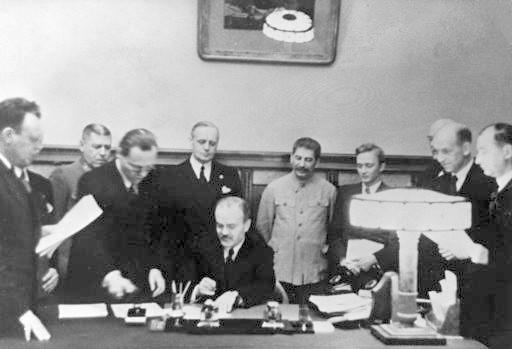 Ribbentrop -Molotov treaty